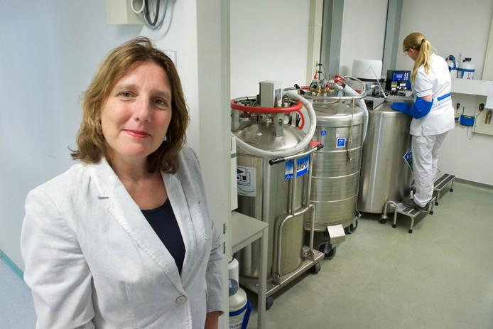 Donorkinderen willen bij de rechter afdwingen dat het Rijnstate ziekenhuis de persoonsgegevens van spermadonoren vrijgeeft. Op de foto: medisch-directeur Desiree Creemers.