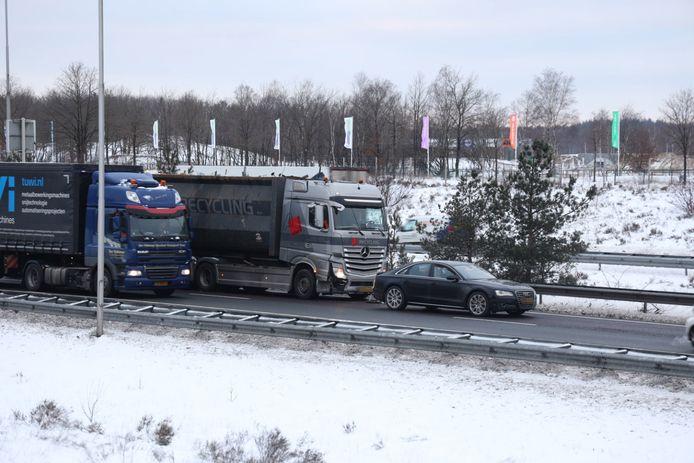Ongeval op de A50, ter hoogte van de Koningsweg bij Arnhem tussen vrachtwagen en auto