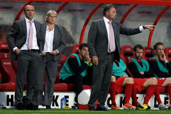 Co Adriaanse werd in het seizoen 2011/2012 al na een halfjaar ontslagen bij FC Twente.