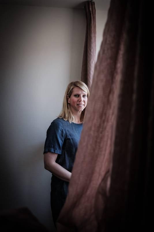"""Heleen Smit in haar huis in Doetinchem: ,,Ik vind het een leuke stad. Plezierig, gezellig, ontspannen""""."""