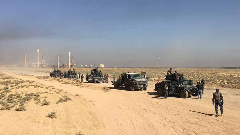 Iraakse troepen nemen de olieraffinaderijen in Kirkoek in.