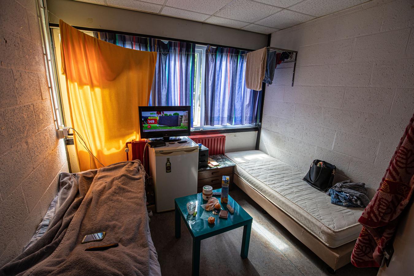 Een kamer van arbeidsmigranten in het Agripark in Dronten.