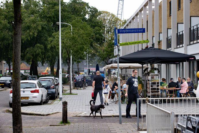 Ondernemers in het achterste gedeelte van de Edisonstraat zijn bezig om handtekeningen te verzamelen tegen de plannen van Trudo om de straat te gaan herinrichten.