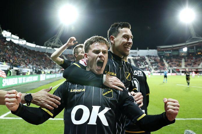 Robin Schouten gaf de assist voor de 0-1 en maakte zelf de 0-2.