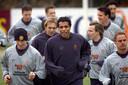 Jaap Stam en Frank de Boer in 2001. Oranje zou zich niet plaatsen voor het WK 2002, nadat Ierland in de play-offs te sterk bleek.