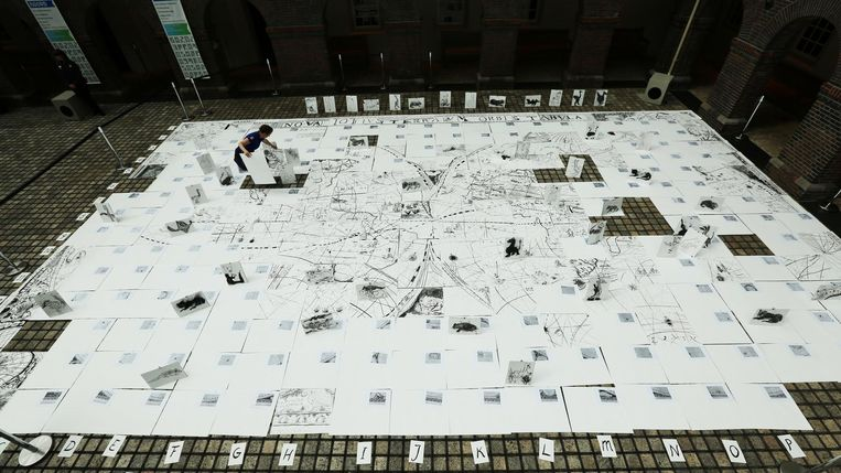 Draag je eigen stukje bij aan een replica van de grootste kaart ter wereld. Beeld Kenneth Stamp