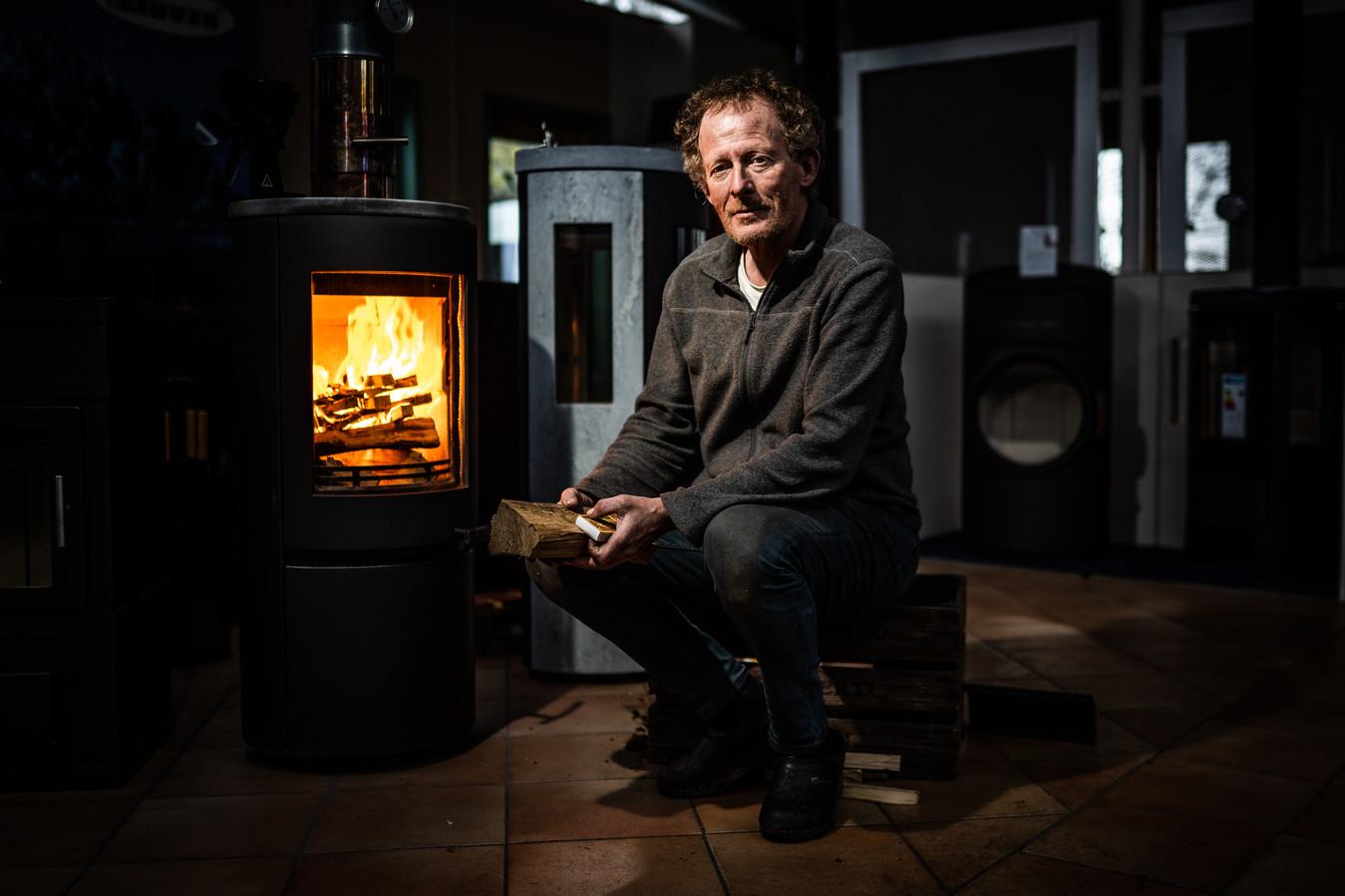 Wijbrand Pauw heeft onderzoek gedaan naar overlast door houtstook.