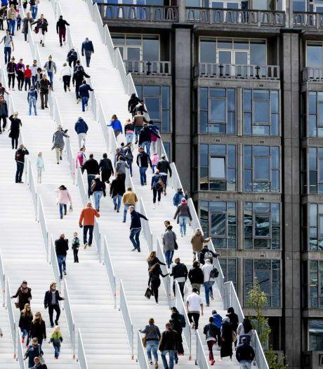 D66-raadslid: 'Supertrap bij CS tot eind juli open houden'