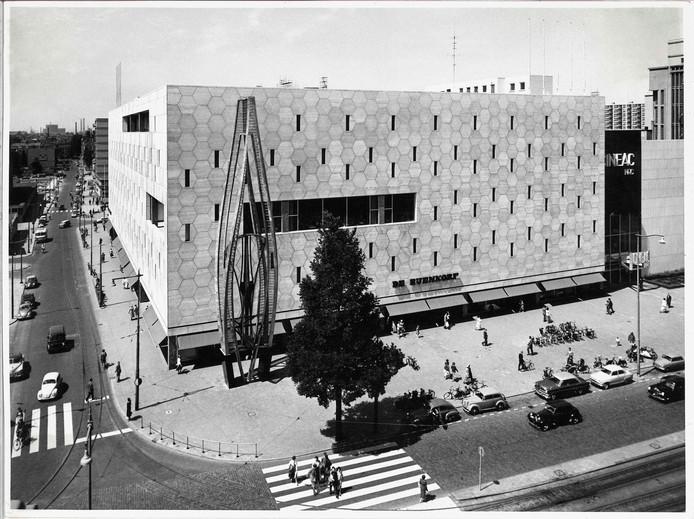 Het gebouw van de Bijenkorf bestaat 60 jaar.