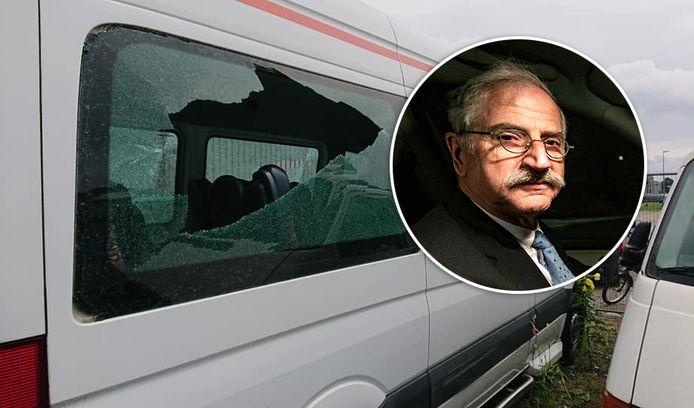 Een van de vernielde taxibusjes van Teun Stevens.