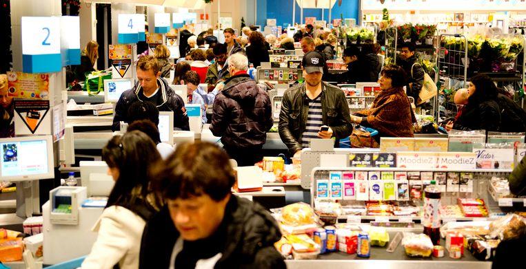 De FNV wil dat supermarkten tijdens kerst sluiten, om het personeel te ontlasten. Beeld Hollandse Hoogte /  ANP