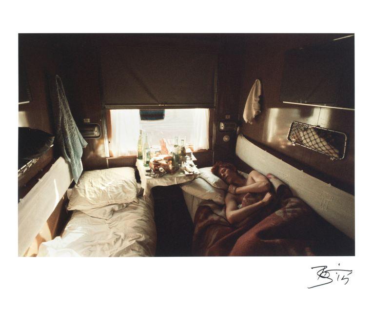 Bowie aan het slapen op de Trans-Siberische Express in Rusland.