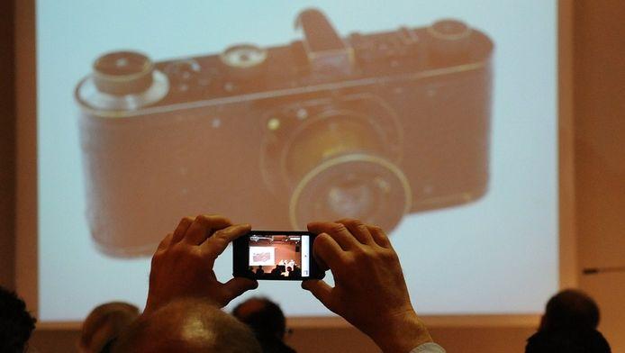Nieuw versus oud. Ook Leica heeft de overstap naar digitaal gemaakt.