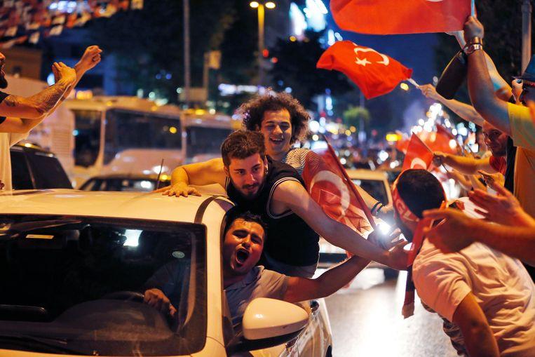 EU feliciteert inwoners van Istanboel: 'Sterk signaal'