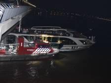 Frontale botsing op de Waal bij Lent, 160 passagiers veilig aan wal, treinverkeer stilgelegd