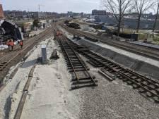 Structon oefent met nieuwe machine op spoor SGB
