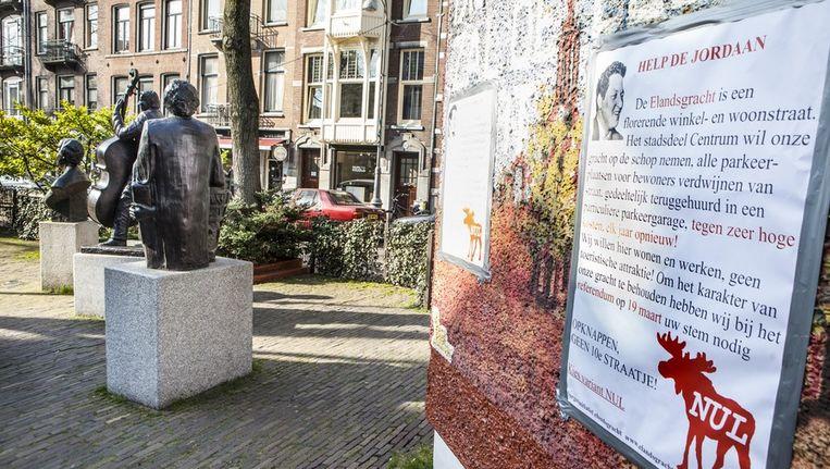 Dat het Johnny Jordaanhuisje gaat verdwijnen in de plannen van het Stadsdeel stuit veel bewoners tegen de borst Beeld Floris Lok