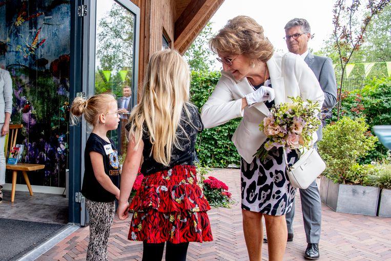Prinses Margriet zet zich in panterprint in voor ezels Beeld Brunopress/Patrick van Emst