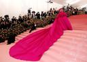 Lady Gaga op de rode loper van het Metropolitan Museum of Art Costume Institute Gala in 2019.