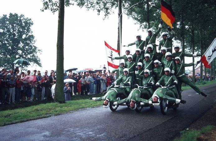 Demonstratie van de Berlijnse politie tijdens de Aarlese feestweek in jaren '70 en '80.