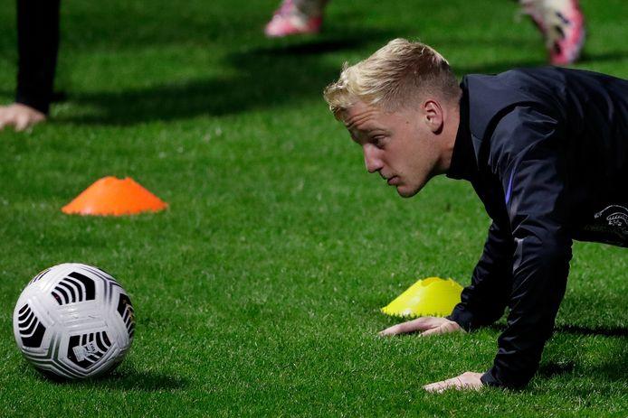 Donny van de Beek tijdens de training bij Oranje.