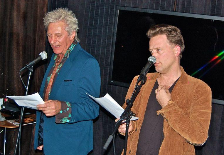 Dichtersduo Rick de Leeuw (l) en Erik jan Harmens. Beeld null