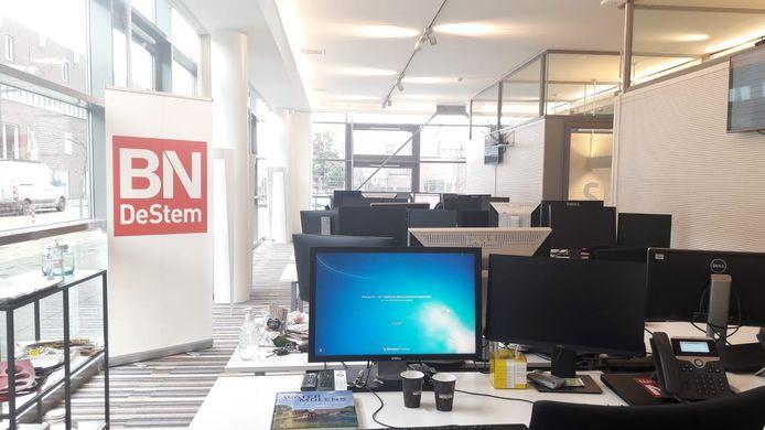 De Roosendaalse redactie van BN DeStem ligt er verlaten bij.
