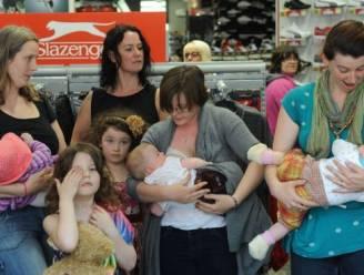 Moeders geven uit protest massaal de borst in sportwinkel