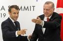 Archiefbeeld uit 2019: Macron en Erdogan tijdens een bilaterale meeting op de G20-top in Osaka