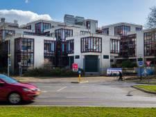 Wonen in de wereldberoemde kubussen van Hertzberger in Apeldoorn