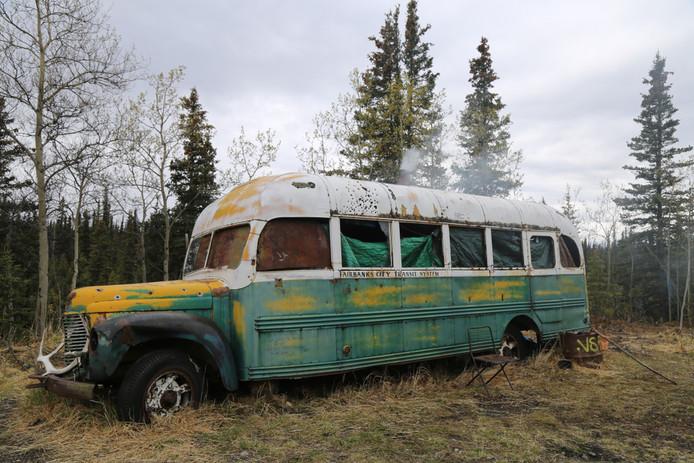 Bus 142 werd in de jaren 60 in de wildernis van Alaska achtergelaten.