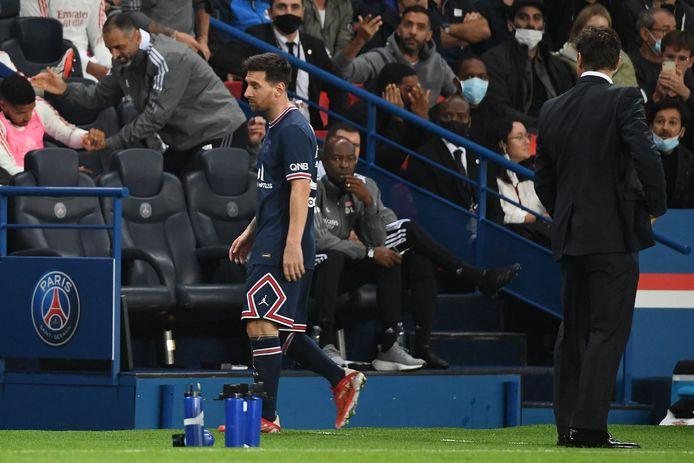 Messi maakte misbaar bij zijn wissel.