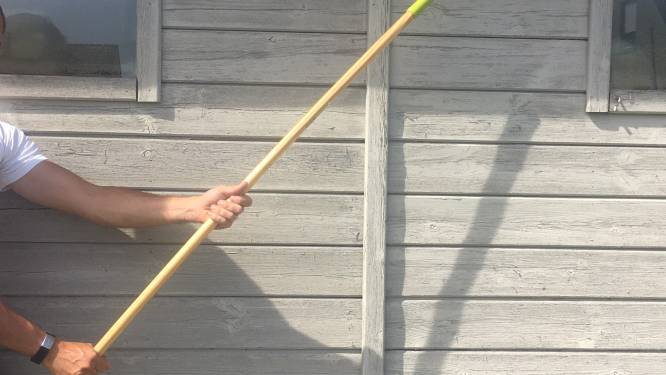 """Burenruzie ontaardt, man tot drie maal toe door het lint tegen buurman:  """"Hij sloeg me eerst met een bezemsteel"""""""
