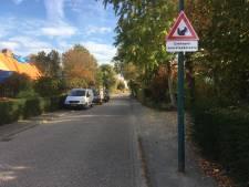 Uniek verkeersbord in Prinsenbeek moet zorgen voor veilige oversteek voor Babbel
