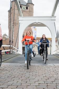 'Hartverwarmend': Rotary steunt lid met goede doel fietstocht Bikes & Bites vanuit Zierikzee