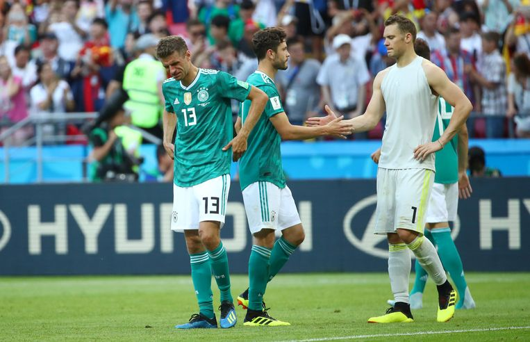Aangeslagen Duitse internationals na de uitschakeling op het WK in Rusland. Beeld Reuters