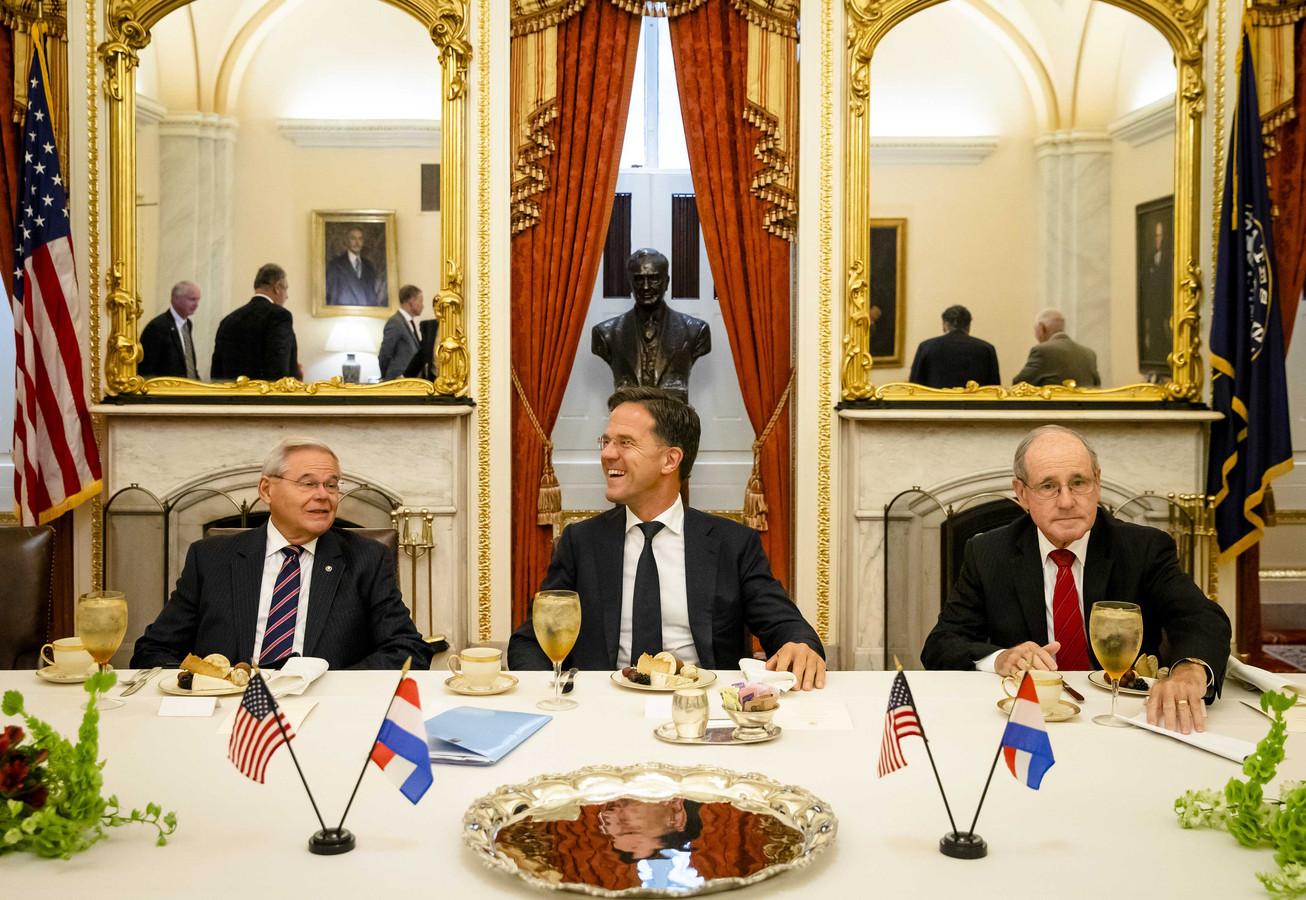 Minister-president Mark Rutte ontmoet leden van de Amerikaanse Senaatscommissie voor Buitenlandse Betrekkingen. De bijeenkomst is onderdeel van een werkbezoek aan Boston en Washington DC.