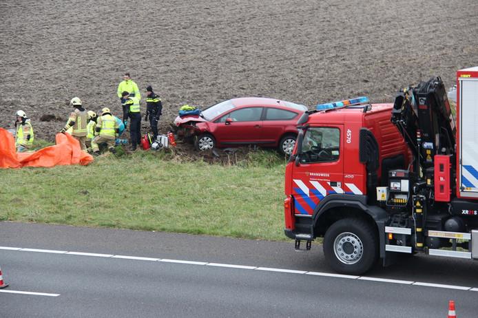Auto van de weg geraakt op de A58 bij Goes.