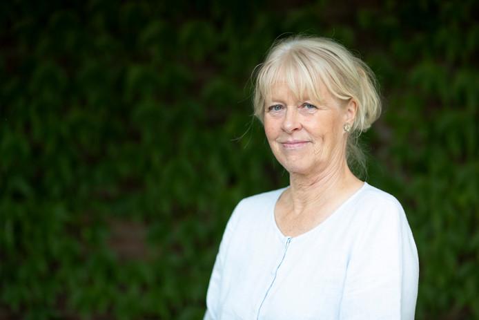 Schrijfster Annegreet van Bergen heeft haar nieuwe boek uitgebracht. Het goede leven.
