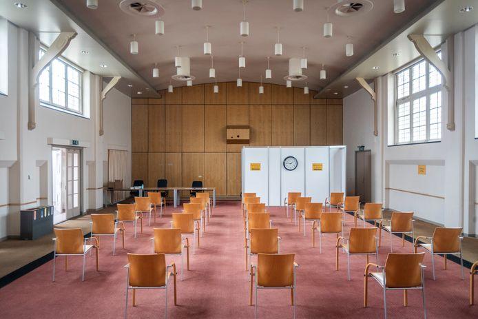 De GGzE in Eindhoven heeft zijn conferentiecentrum ingericht als vaccinatielocatie voor personeel.