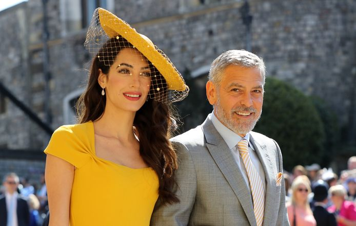 Amal en George Clooney op het huwelijk van Meghan en Harry.