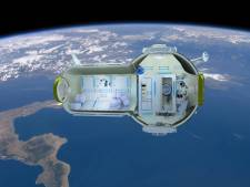 Russen werken aan hotel in de ruimte