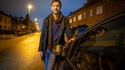 """Vandaal stampt spiegels van auto's: """"Fietser leek het te doen uit verveling"""""""