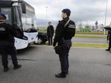Marechaussee: Blijf in de auto tot je bij Schiphol bent