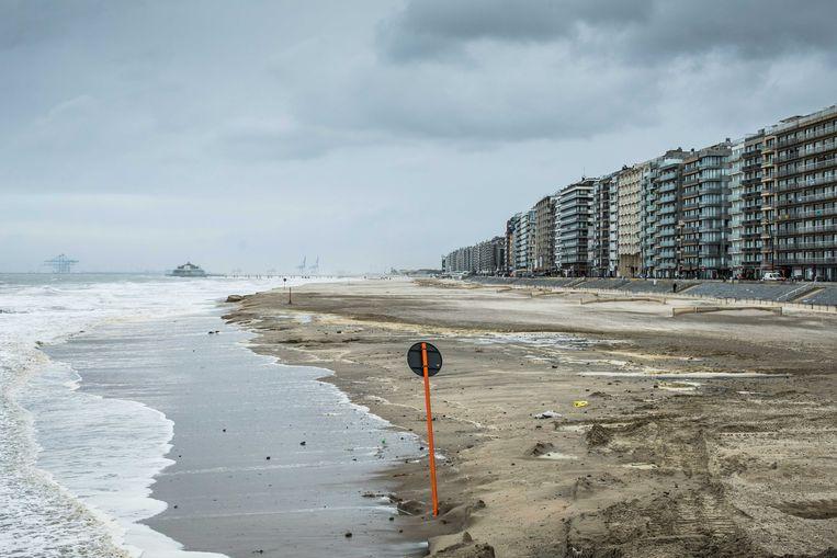 De verweerde kustlijn van Blankenberge. Beeld Bas Bogaerts