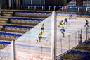 Tilburg Trappers - Krefeld EV in een leeg stadion.