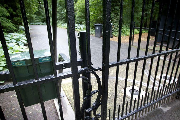 Beeld De ingang van kasteel Drakensteyn.