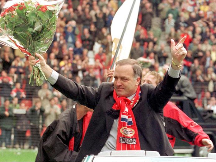 Dick Advocaat liet Rob Peijnenburg in 1998 debuteren bij PSV.