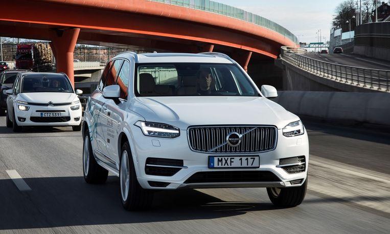 De XC90 hybride vormt sinds een paar jaar Volvo's aanloop naar wat een revolutionaire omschakeling op stroom lijkt te worden. Beeld Volvo