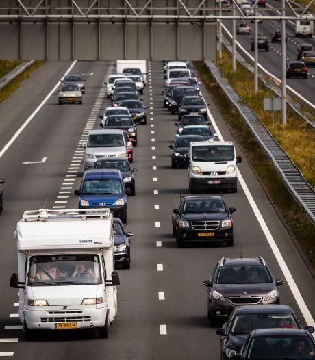 Kabinet wil verplichte coronatest voor automobilist bij terugkeer uit risicogebied